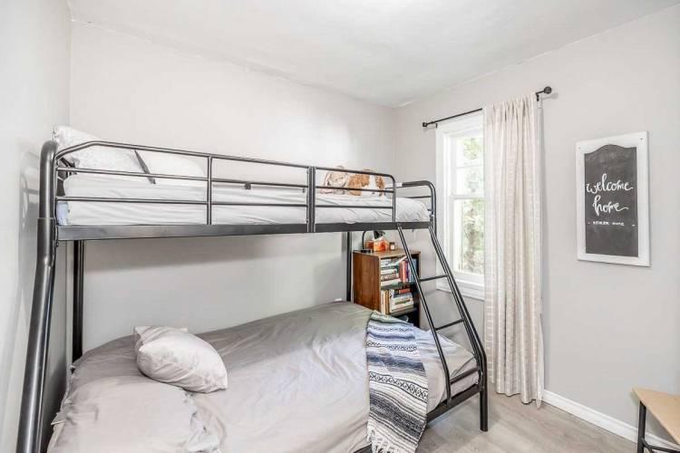 320 Gill St- Orillia- Ontario L3V 4K4, 3 Bedrooms Bedrooms, 7 Rooms Rooms,1 BathroomBathrooms,Detached,Sale,Gill,S4804661