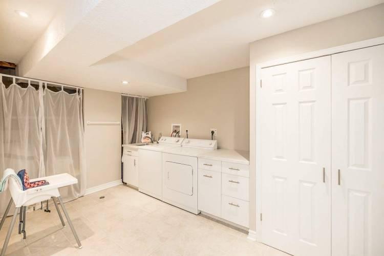 8 Hudson Cres- Bradford West Gwillimbury- Ontario L3Z2J2, 3 Bedrooms Bedrooms, 6 Rooms Rooms,2 BathroomsBathrooms,Detached,Sale,Hudson,N4805230