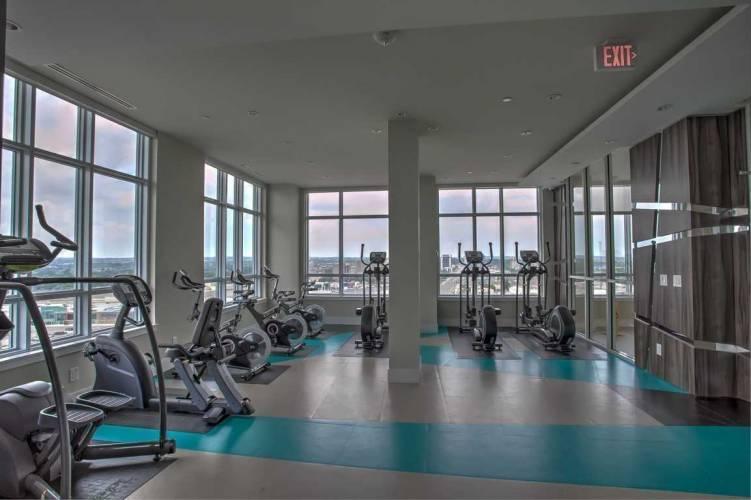 9205 Yonge St- Richmond Hill- Ontario L4C1V5, 1 Bedroom Bedrooms, 5 Rooms Rooms,1 BathroomBathrooms,Condo Apt,Sale,Yonge,N4803990