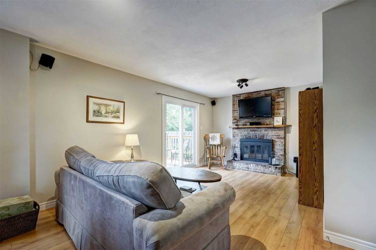 89 College Cres, Barrie, Ontario L4M2W5, 4 Bedrooms Bedrooms, 7 Rooms Rooms,2 BathroomsBathrooms,Detached,Sale,College,S4805170