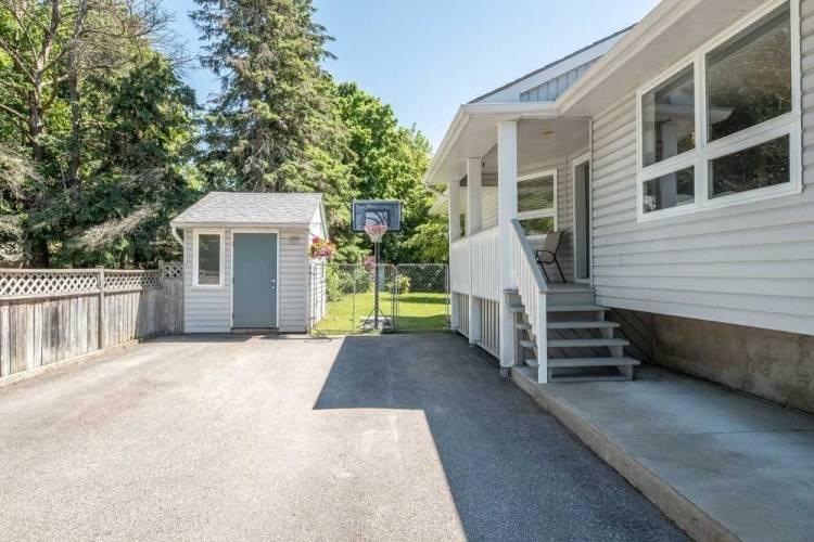 208 Phillips St, Barrie, Ontario L4N3V1, 1 Bedroom Bedrooms, 4 Rooms Rooms,2 BathroomsBathrooms,Detached,Sale,Phillips,S4805228