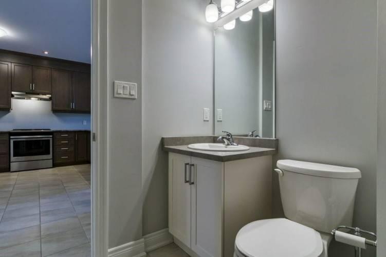 28 Ellis Ave, St. Catharines, Ontario L2P 0E6, 2 Bedrooms Bedrooms, 5 Rooms Rooms,2 BathroomsBathrooms,Att/row/twnhouse,Sale,Ellis,X4805339