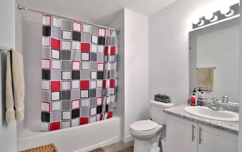 101 Shoreview Pl- Hamilton- Ontario L8E 0K3, 2 Bedrooms Bedrooms, 2 Rooms Rooms,1 BathroomBathrooms,Condo Apt,Sale,Shoreview,X4804742