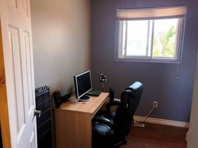 63 Ferris Lane, Barrie, Ontario L4M5C4, 4 Bedrooms Bedrooms, 7 Rooms Rooms,2 BathroomsBathrooms,Condo Townhouse,Sale,Ferris,S4805354