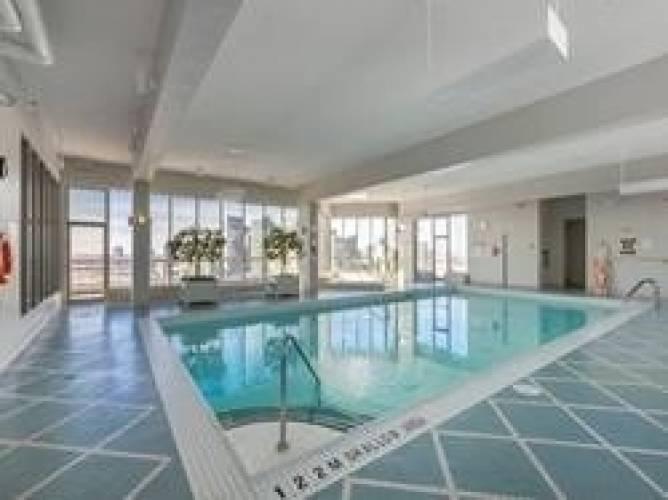 55 Elm Dr- Mississauga- Ontario L5B3Z3, 2 Bedrooms Bedrooms, 6 Rooms Rooms,2 BathroomsBathrooms,Condo Apt,Sale,Elm,W4805407