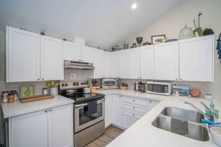 460 Park Rd, Oshawa, Ontario L1J4J2, 4 Bedrooms Bedrooms, 11 Rooms Rooms,2 BathroomsBathrooms,Duplex,Sale,Park,E4805608