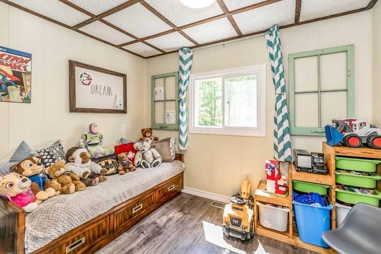 26 Pleasant Ave- East Gwillimbury- Ontario L9N1A1, 4 Bedrooms Bedrooms, 9 Rooms Rooms,2 BathroomsBathrooms,Detached,Sale,Pleasant,N4783058