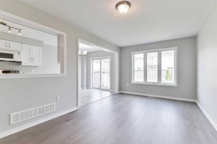 23 Carter St, Bradford West Gwillimbury, Ontario L3Z 0L2, 3 Bedrooms Bedrooms, 8 Rooms Rooms,4 BathroomsBathrooms,Detached,Sale,Carter,N4805983