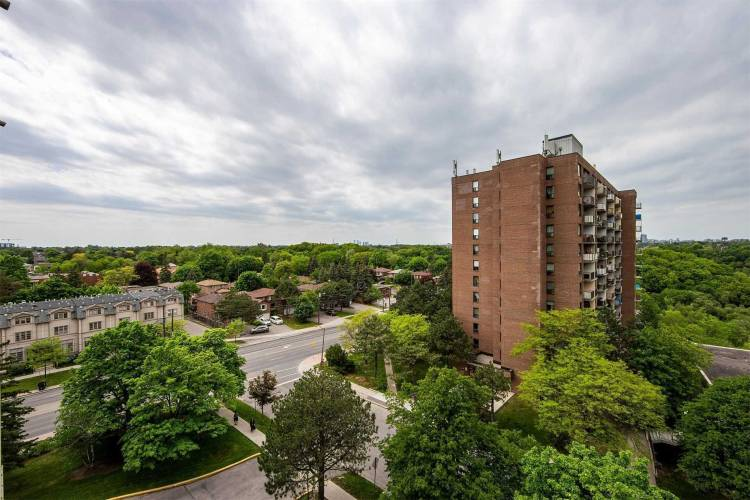 100 Canyon Ave, Toronto, Ontario M3H5T9, 3 Bedrooms Bedrooms, 7 Rooms Rooms,2 BathroomsBathrooms,Condo Apt,Sale,Canyon,C4782216