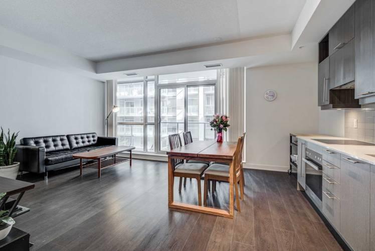 30 Nelson St- Toronto- Ontario M5V0H5, 1 Bedroom Bedrooms, 4 Rooms Rooms,1 BathroomBathrooms,Condo Apt,Sale,Nelson,C4806008