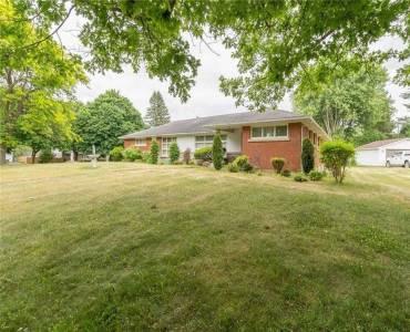 38 Tyrell St, Norfolk, Ontario N3Y 2H4, 3 Bedrooms Bedrooms, 8 Rooms Rooms,4 BathroomsBathrooms,Detached,Sale,Tyrell,X4805695