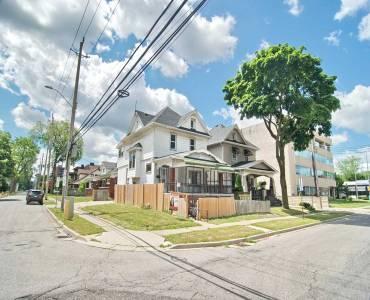 41 Shepherd East St- Windsor- Ontario N8X2J9, 4 Bedrooms Bedrooms, 8 Rooms Rooms,4 BathroomsBathrooms,Duplex,Sale,Shepherd East,X4806077