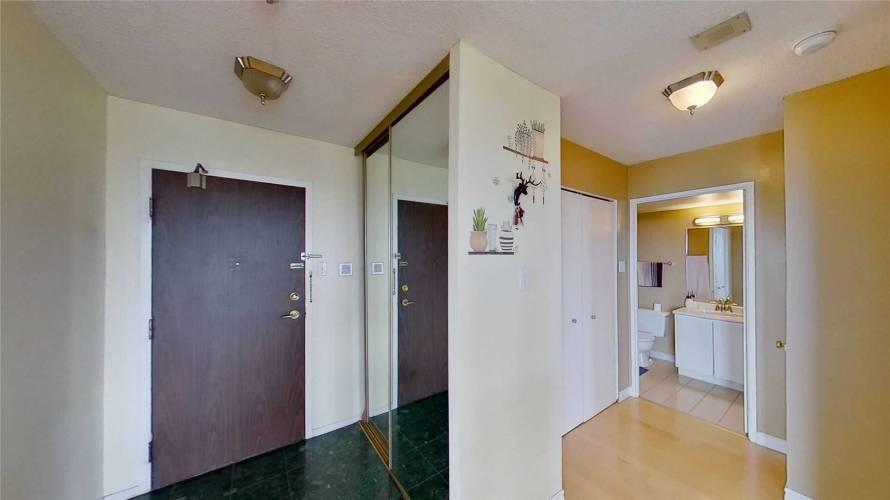 350 Alton Towers Circ- Toronto- Ontario M1V5E3, 2 Bedrooms Bedrooms, 5 Rooms Rooms,2 BathroomsBathrooms,Condo Apt,Sale,Alton Towers,E4805847