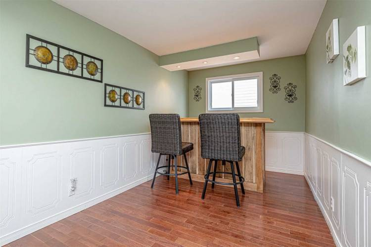 404 Limerick St, Innisfil, Ontario L0L 1K0, 2 Bedrooms Bedrooms, 5 Rooms Rooms,2 BathroomsBathrooms,Detached,Sale,Limerick,N4760587