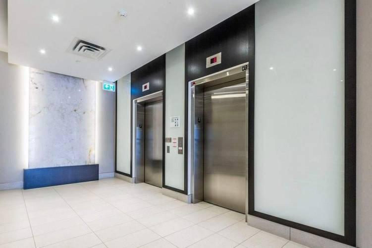15277 Yonge St, Aurora, Ontario L4G 1N6, 1 Bedroom Bedrooms, 4 Rooms Rooms,1 BathroomBathrooms,Condo Apt,Sale,Yonge,N4805656
