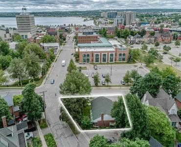 76 Owen St- Barrie- Ontario L4M3H5, 3 Bedrooms Bedrooms, 5 Rooms Rooms,2 BathroomsBathrooms,Detached,Sale,Owen,S4806292