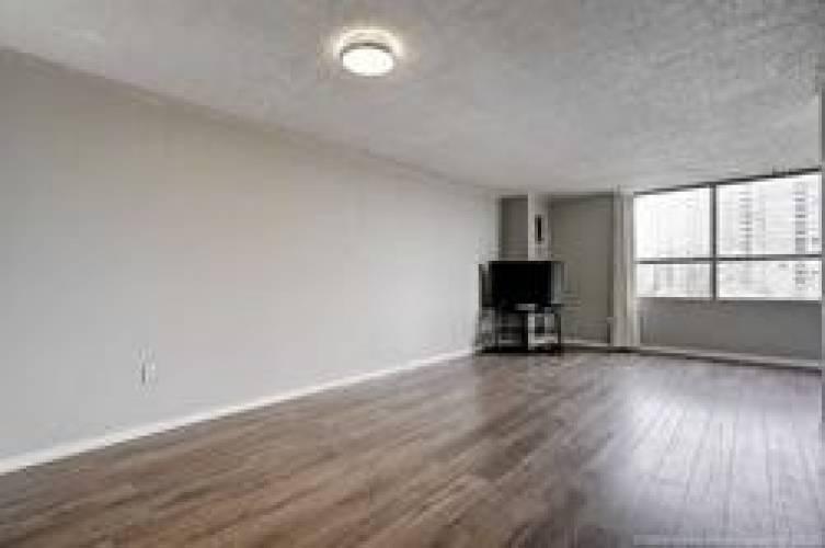 40 Panorama Crt- Toronto- Ontario M9V4M1, 3 Bedrooms Bedrooms, 8 Rooms Rooms,2 BathroomsBathrooms,Condo Apt,Sale,Panorama,W4773802
