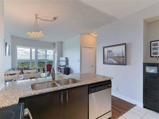 50 Absolute Ave- Mississauga- Ontario L4Z0A9, 1 Bedroom Bedrooms, 4 Rooms Rooms,1 BathroomBathrooms,Condo Apt,Sale,Absolute,W4806648