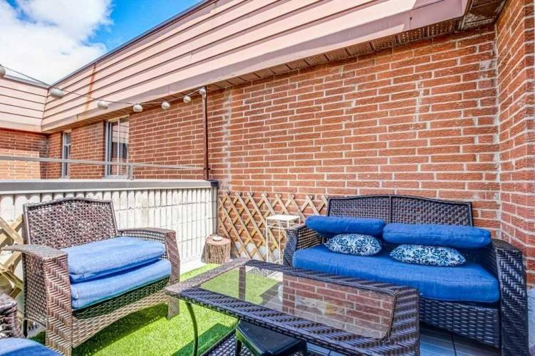 1455 Williamsport Dr, Mississauga, Ontario L4X2T4, 3 Bedrooms Bedrooms, 6 Rooms Rooms,2 BathroomsBathrooms,Condo Townhouse,Sale,Williamsport,W4806668
