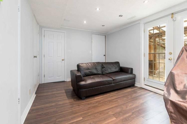 4 Chambers Crt, Brampton, Ontario L6Z1J1, 3 Bedrooms Bedrooms, 6 Rooms Rooms,3 BathroomsBathrooms,Att/row/twnhouse,Sale,Chambers,W4807491