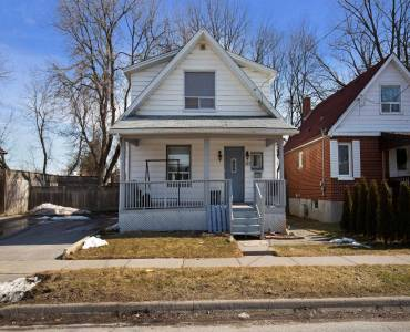 273 Haig St- Oshawa- Ontario L1G5N9, 3 Bedrooms Bedrooms, 7 Rooms Rooms,1 BathroomBathrooms,Detached,Sale,Haig,E4807496