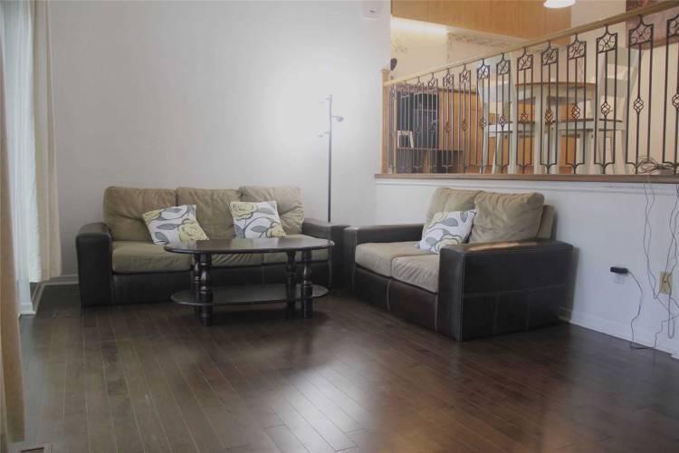 22 Burnt Meadoway Way- Toronto- Ontario M2H2V3, 3 Bedrooms Bedrooms, 6 Rooms Rooms,2 BathroomsBathrooms,Condo Townhouse,Sale,Burnt Meadoway,C4807308