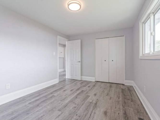 30 Sycamore St, Hamilton, Ontario L8T3N7, 3 Bedrooms Bedrooms, 5 Rooms Rooms,3 BathroomsBathrooms,Detached,Sale,Sycamore,X4807010
