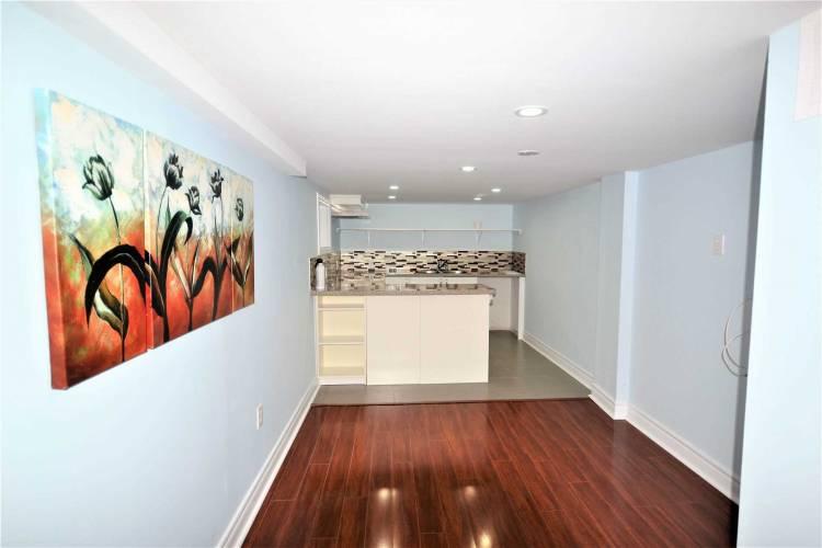 259 Lake St- St. Catharines- Ontario L2R5Z5, 2 Bedrooms Bedrooms, 8 Rooms Rooms,2 BathroomsBathrooms,Detached,Sale,Lake,X4807483
