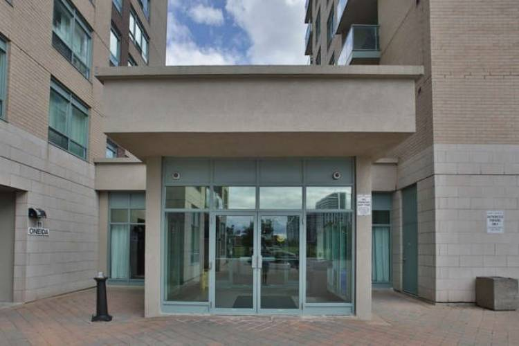11 Oneida Cres- Richmond Hill- Ontario L4B0A1, 1 Bedroom Bedrooms, 4 Rooms Rooms,1 BathroomBathrooms,Condo Apt,Sale,Oneida,N4807251