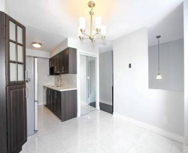 4 Franklin Crt- Brampton- Ontario L6T3Z1, 3 Bedrooms Bedrooms, 6 Rooms Rooms,2 BathroomsBathrooms,Condo Townhouse,Sale,Franklin,W4807450