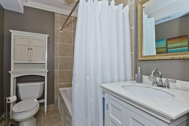 2701 Aquitaine Ave- Mississauga- Ontario L5N2H7, 3 Bedrooms Bedrooms, 6 Rooms Rooms,2 BathroomsBathrooms,Condo Townhouse,Sale,Aquitaine,W4807688