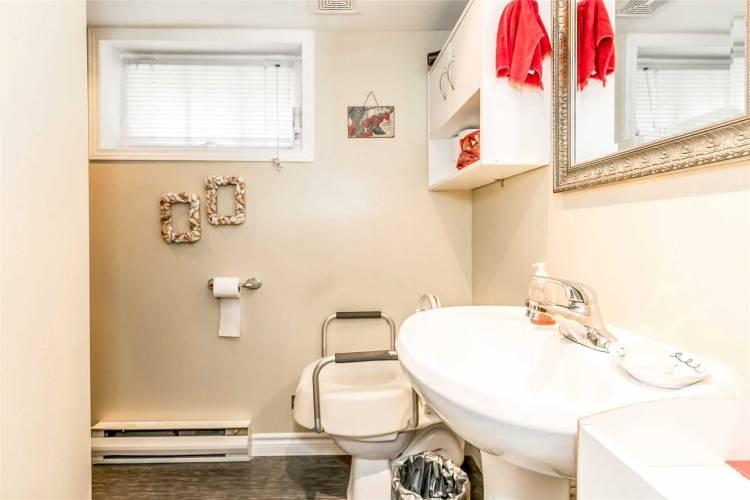 100 Amelia St- Barrie- Ontario L4M 1M8, 4 Bedrooms Bedrooms, 9 Rooms Rooms,4 BathroomsBathrooms,Detached,Sale,Amelia,S4807969
