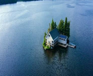 1 Steenburg Lake Isla- Limerick- Ontario K0L1W0, 2 Bedrooms Bedrooms, 5 Rooms Rooms,1 BathroomBathrooms,Cottage,Sale,Steenburg Lake Isla,X4636422