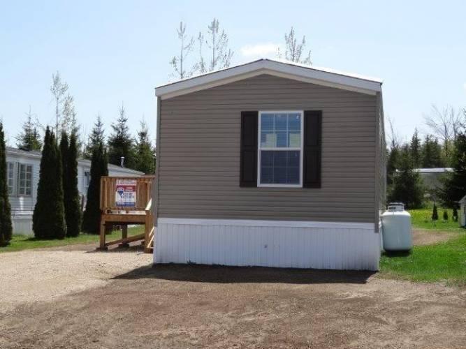 66 Maple Grove Village Rd- Southgate- Ontario N0C 1B0, 2 Bedrooms Bedrooms, 4 Rooms Rooms,2 BathroomsBathrooms,Mobile/trailer,Sale,Maple Grove Village,X4736626
