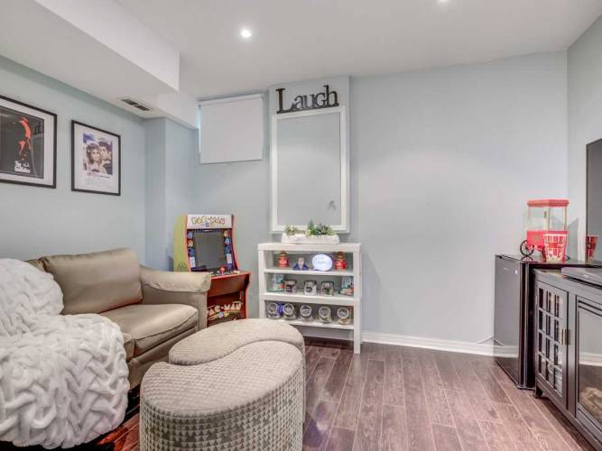 2 Hedge End Rd, Toronto, Ontario M1B5Z8, 2 Bedrooms Bedrooms, 5 Rooms Rooms,2 BathroomsBathrooms,Condo Townhouse,Sale,Hedge End,E4809225