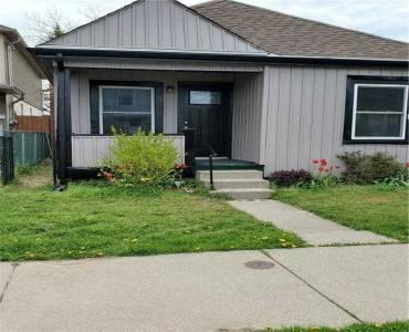 208 Weir St- Hamilton- Ontario L8H 5G3, 3 Bedrooms Bedrooms, 7 Rooms Rooms,1 BathroomBathrooms,Detached,Sale,Weir,X4809017