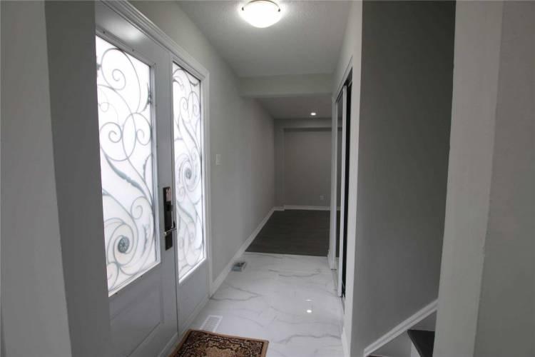 24 Grand Rapids Sq- Brampton- Ontario L6S2J1, 3 Bedrooms Bedrooms, 6 Rooms Rooms,3 BathroomsBathrooms,Detached,Sale,Grand Rapids,W4740651