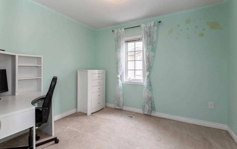 107 Pressed Brick Dr- Brampton- Ontario L6V4K5, 3 Bedrooms Bedrooms, 6 Rooms Rooms,2 BathroomsBathrooms,Att/row/twnhouse,Sale,Pressed Brick,W4809480