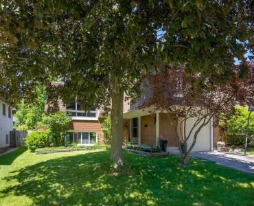 48 Manor Dr, Kitchener, Ontario N2A2V1, 3 Bedrooms Bedrooms, 12 Rooms Rooms,3 BathroomsBathrooms,Detached,Sale,Manor,X4790960