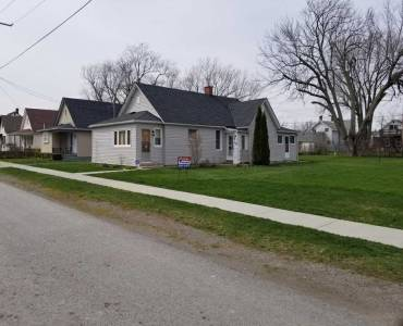 228 Courtwright St- Fort Erie- Ontario L2A2R8, 3 Bedrooms Bedrooms, 6 Rooms Rooms,1 BathroomBathrooms,Detached,Sale,Courtwright,X4809559