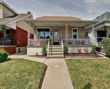 1037 Marentette Ave- Windsor- Ontario N9A2A4, 3 Bedrooms Bedrooms, 6 Rooms Rooms,1 BathroomBathrooms,Detached,Sale,Marentette,X4809602