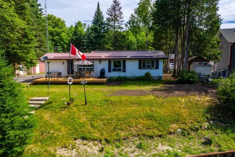 95 Brook Rd, Kawartha Lakes, Ontario K0M1N0, 3 Bedrooms Bedrooms, 6 Rooms Rooms,1 BathroomBathrooms,Detached,Sale,Brook,X4809608