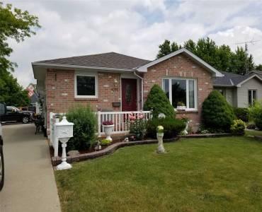 4095 Pine Cres- Petrolia- Ontario N0N1R0, 3 Bedrooms Bedrooms, 7 Rooms Rooms,2 BathroomsBathrooms,Detached,Sale,Pine,X4809768