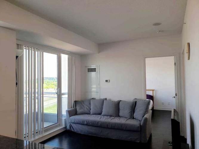 9205 Yonge St- Richmond Hill- Ontario L4C6Z2, 1 Bedroom Bedrooms, 5 Rooms Rooms,1 BathroomBathrooms,Condo Apt,Sale,Yonge,N4777167