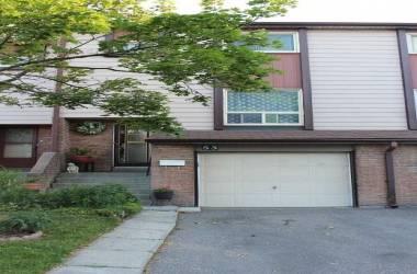 1221 Dundix Rd- Mississauga- Ontario L4Y3Y9, 3 Bedrooms Bedrooms, 7 Rooms Rooms,2 BathroomsBathrooms,Condo Townhouse,Sale,Dundix,W4809554
