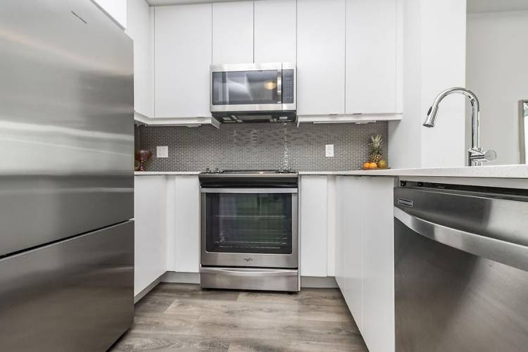 4633 Glen Erin Dr- Mississauga- Ontario L5M0Y6, 2 Bedrooms Bedrooms, 5 Rooms Rooms,1 BathroomBathrooms,Condo Apt,Sale,Glen Erin,W4809731