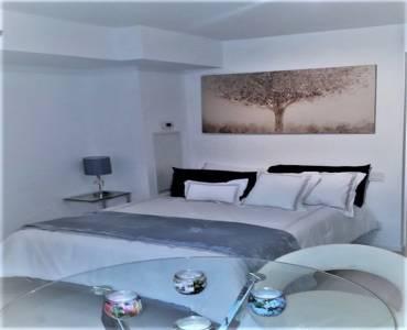 5 St Joseph St, Toronto, Ontario M4Y1J6, 3 Rooms Rooms,1 BathroomBathrooms,Condo Apt,Sale,St Joseph,C4809993