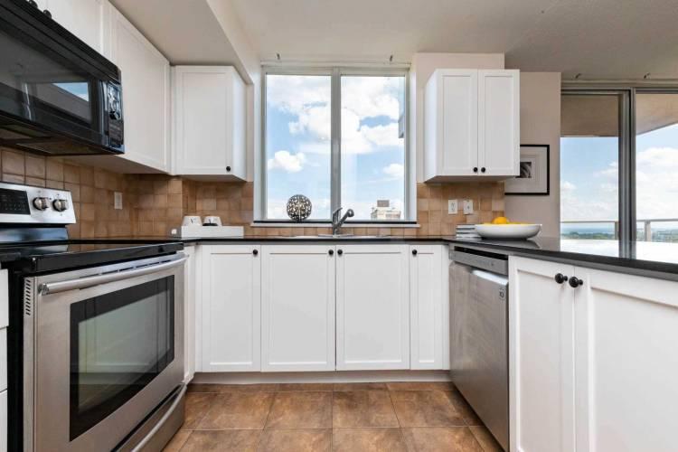 1369 Bloor St, Toronto, Ontario M6P4J4, 2 Bedrooms Bedrooms, 5 Rooms Rooms,2 BathroomsBathrooms,Condo Apt,Sale,Bloor,C4809953