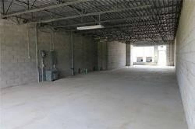 1185 Queensway Ave- Mississauga- Ontario L4Y1R6, ,Commercial/retail,Sale,Queensway,W4810287