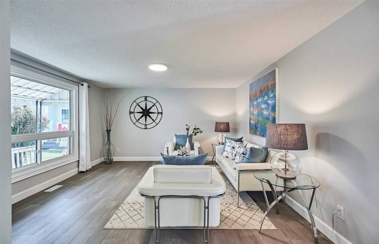 118 Wilmot Tr- Clarington- Ontario L1B1A8, 2 Bedrooms Bedrooms, 5 Rooms Rooms,1 BathroomBathrooms,Detached,Sale,Wilmot,E4810206